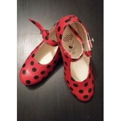 Chaussures rouge à pois noirs sans clou