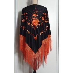 Châle 180 cm noir brodé orange à fils orange