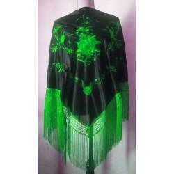 Grand châle noir brodé vert fils verts