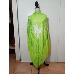 Grand châle vert anis brodé blanc fils vert anis 195 cm